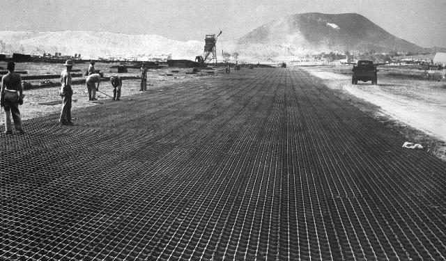 18_ Nouméa - La Tontouta_Construction de la piste par l'armée américaine.ANC 1 Num 5